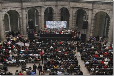 El Movimiento Nacional por la Soberanía Alimentaria, Energetica, los Derechos de los Trabajadores y las Libertades Democraticas, se reune en el Palacio de Mineria, para crear, el Frente Amplio Social, el 09 de noviembre del 2012. Roberto Garcia Ortiz/ LA JORNADA